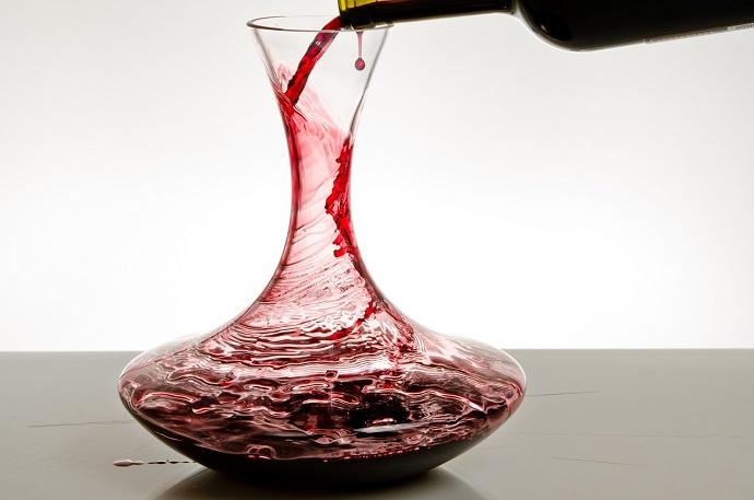Oxigenar y decantar vino